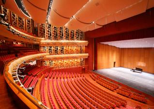 苏州开明剧院_苏州文化艺术中心大剧院拥有1200个座位的多功能镜框式剧场可