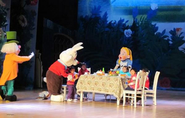 《木偶奇遇记》 大型魔幻音乐儿童剧《巴啦啦小魔仙2