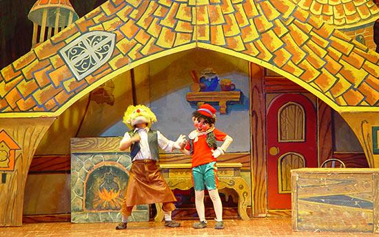 大型童话偶型剧 《木偶奇遇记》