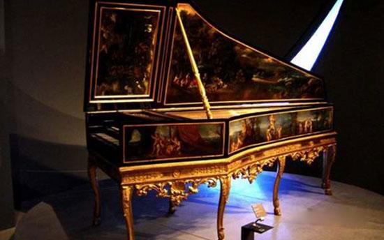 古钢琴首次使用图片