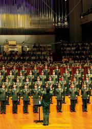 """暑期艺术之旅:""""不朽的歌""""中国武警男声合唱团建军节专场音乐会"""