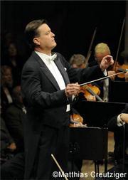 """""""醇享舒曼""""克里斯蒂安·蒂勒曼与德累斯顿国家管弦乐团音乐会"""