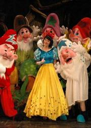 中國兒童藝術劇院 人偶兒童劇《白雪公主與七個小矮人》