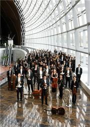 融合之美:吕嘉 王云鹏与国家大剧院管弦乐团演绎霍华德 马勒与勃拉姆斯